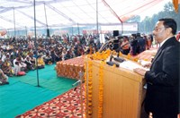 Shri P.C. Das, CMD, NHFDC addressing the gathering to attend Job Fair for Persons with Disabilities at War Heroes Memorial Stadium,Ambala Cantt on 14.11.2013.